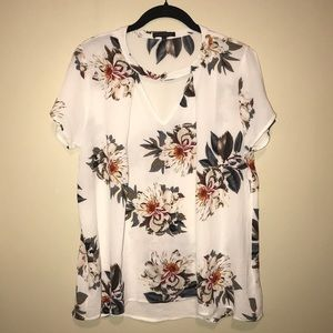 NWT staccato floral top